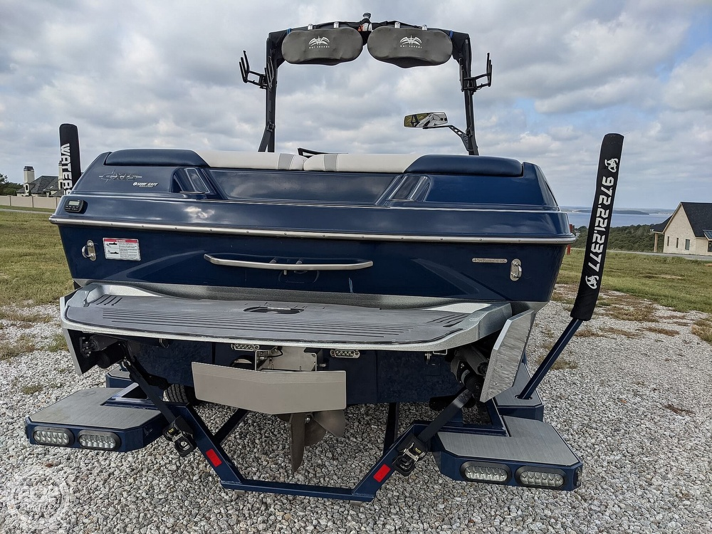 2017 Axis boat for sale, model of the boat is T23 & Image # 29 of 40
