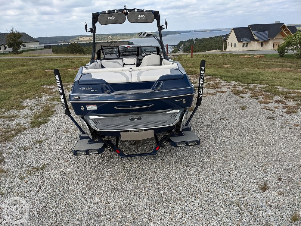 2017 Axis boat for sale, model of the boat is T23 & Image # 35 of 40