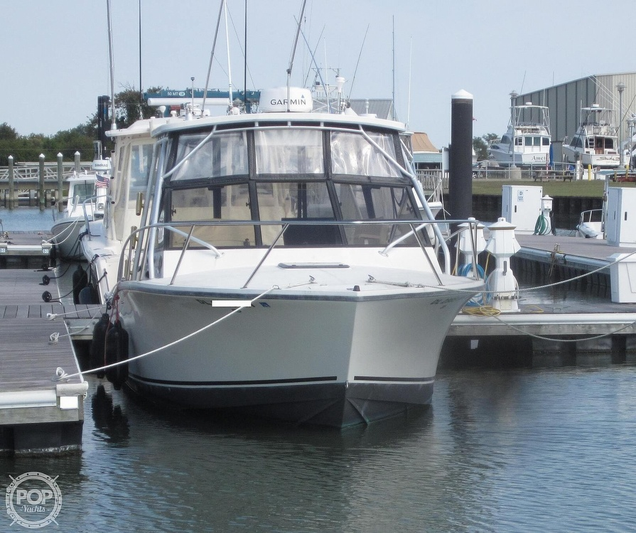 1998 Carolina Classic boat for sale, model of the boat is 28 Express & Image # 9 of 40