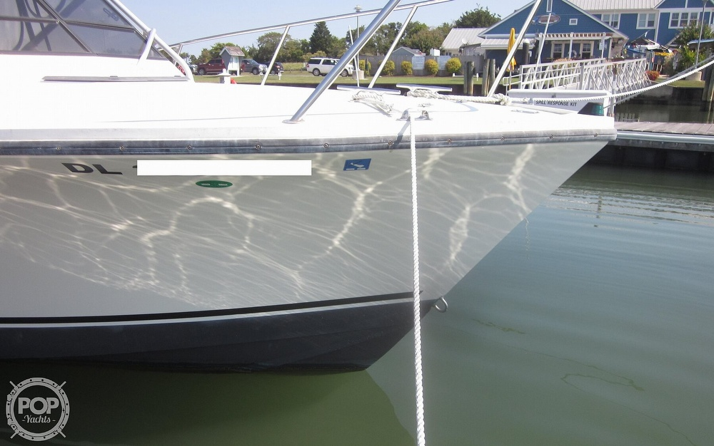 1998 Carolina Classic boat for sale, model of the boat is 28 Express & Image # 10 of 40