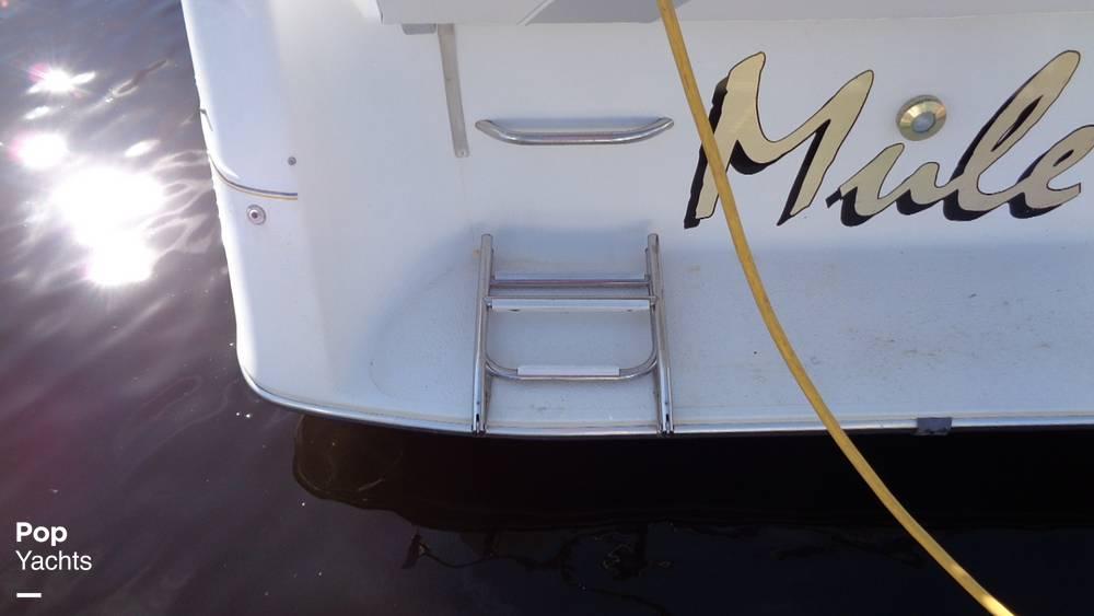1994 Rinker boat for sale, model of the boat is 260 Fiesta Vee & Image # 34 of 40