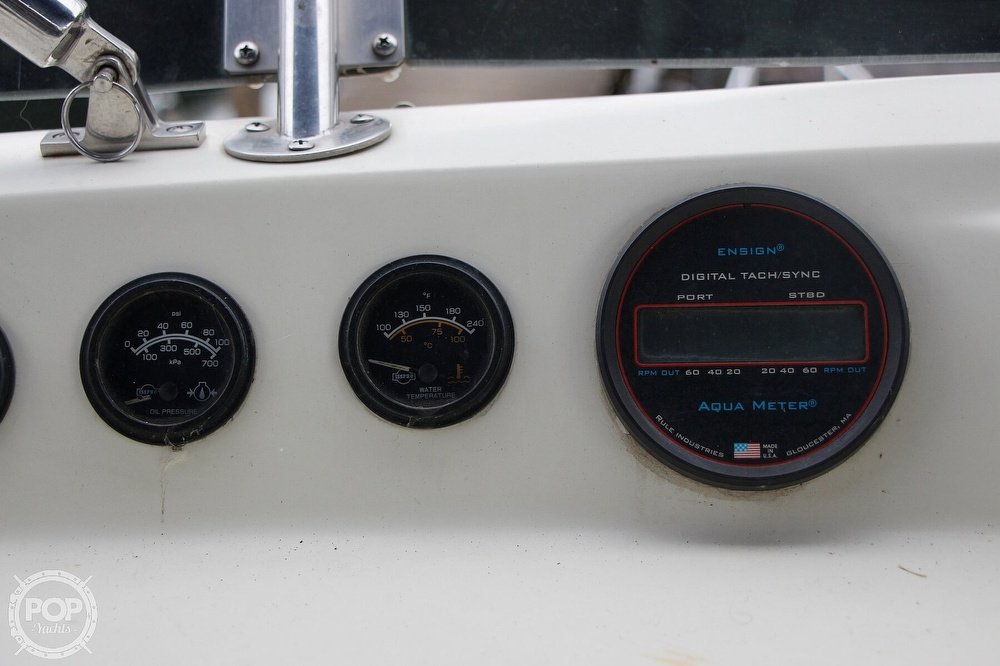 1986 Tollycraft boat for sale, model of the boat is 34 Sundeck tri cabin & Image # 31 of 40