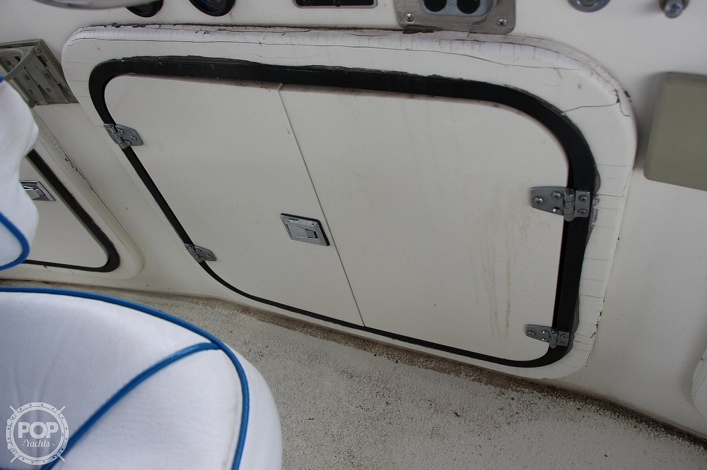 1986 Tollycraft boat for sale, model of the boat is 34 Sundeck tri cabin & Image # 37 of 40