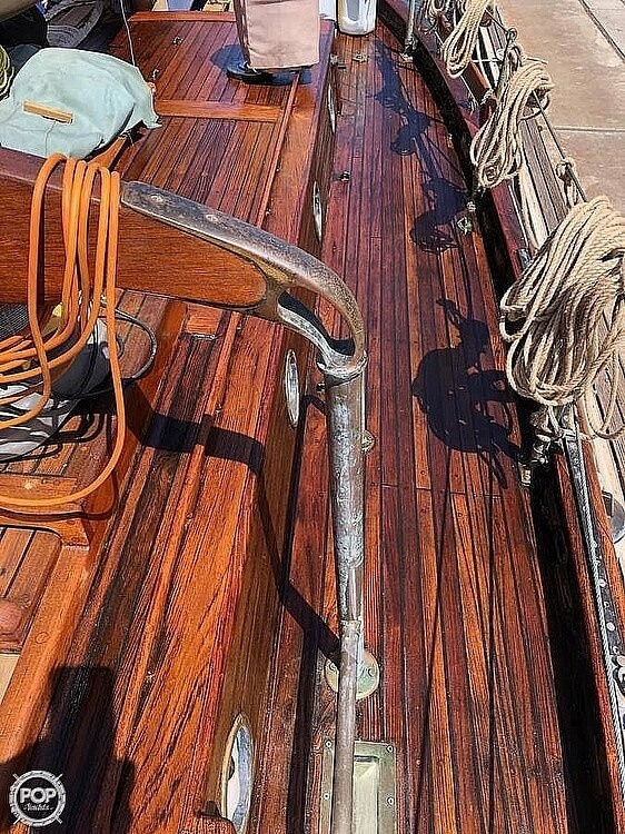 1974 Westsail boat for sale, model of the boat is Kendall 32 & Image # 4 of 10
