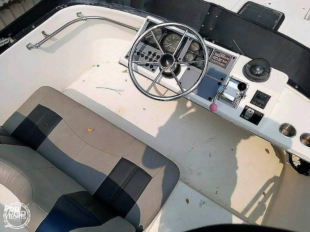 1991 Bayliner boat for sale, model of the boat is 2556 Trophy & Image # 10 of 16
