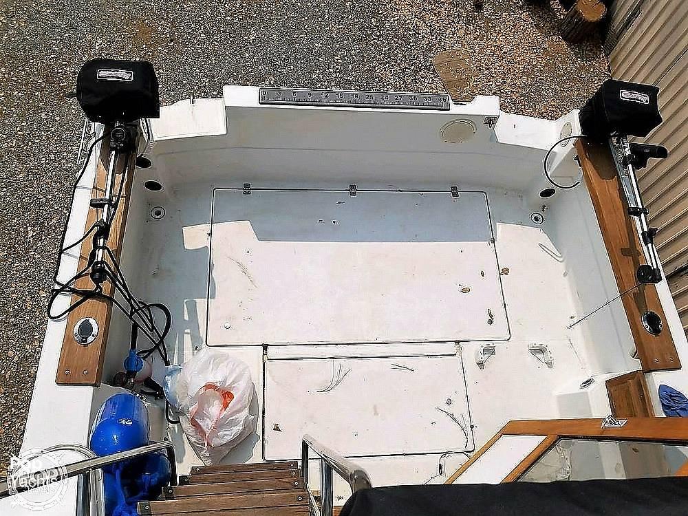 1991 Bayliner boat for sale, model of the boat is 2556 Trophy & Image # 11 of 16
