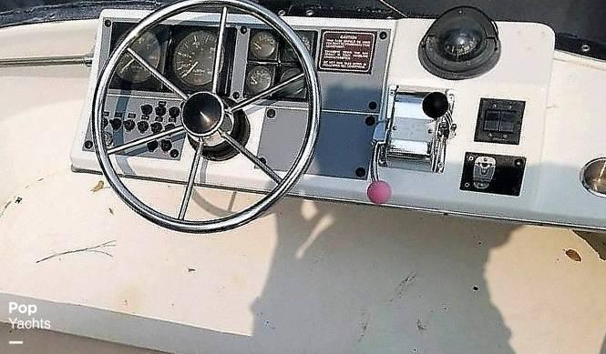 1991 Bayliner boat for sale, model of the boat is 2556 Trophy & Image # 15 of 16