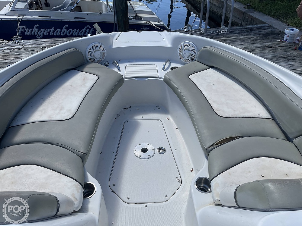 2005 Sea Ray boat for sale, model of the boat is 240 Sundeck & Image # 26 of 40