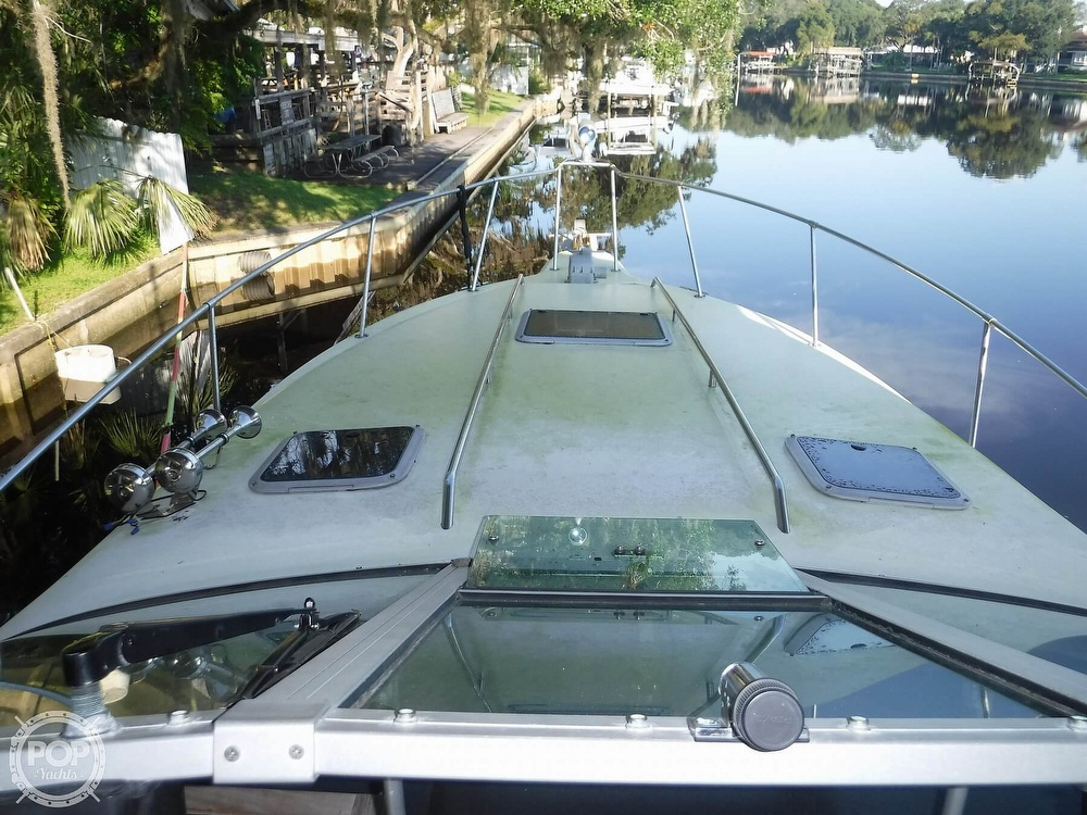 1992 Sea Ray boat for sale, model of the boat is 290 Sundancer & Image # 12 of 40