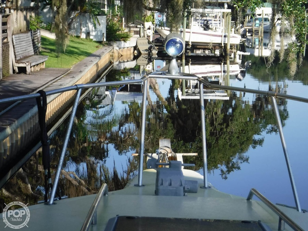 1992 Sea Ray boat for sale, model of the boat is 290 Sundancer & Image # 13 of 40
