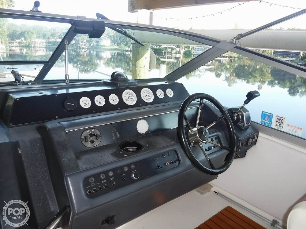 1992 Sea Ray boat for sale, model of the boat is 290 Sundancer & Image # 14 of 40