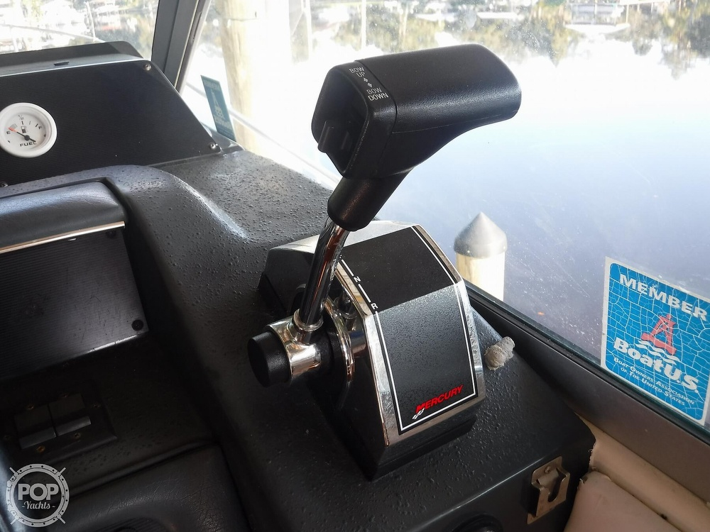1992 Sea Ray boat for sale, model of the boat is 290 Sundancer & Image # 29 of 40
