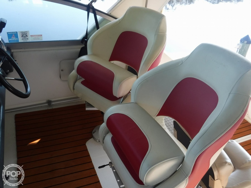 1992 Sea Ray boat for sale, model of the boat is 290 Sundancer & Image # 31 of 40