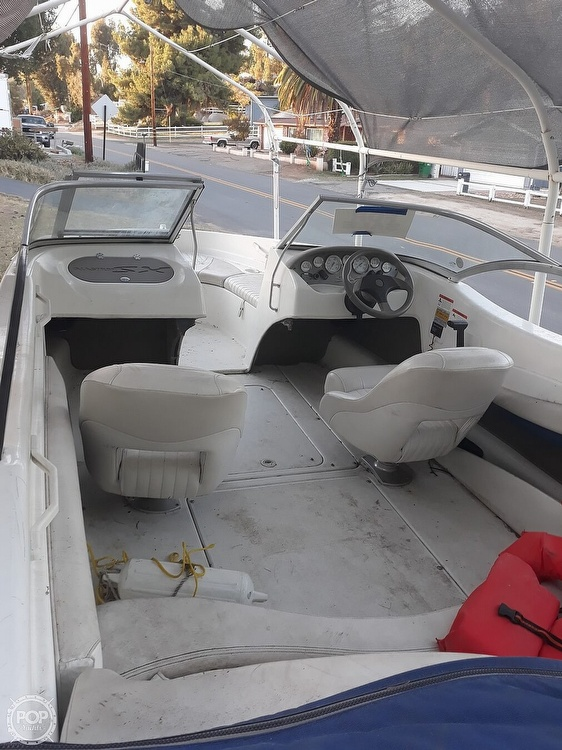 2004 Glastron boat for sale, model of the boat is SX 195 & Image # 2 of 6