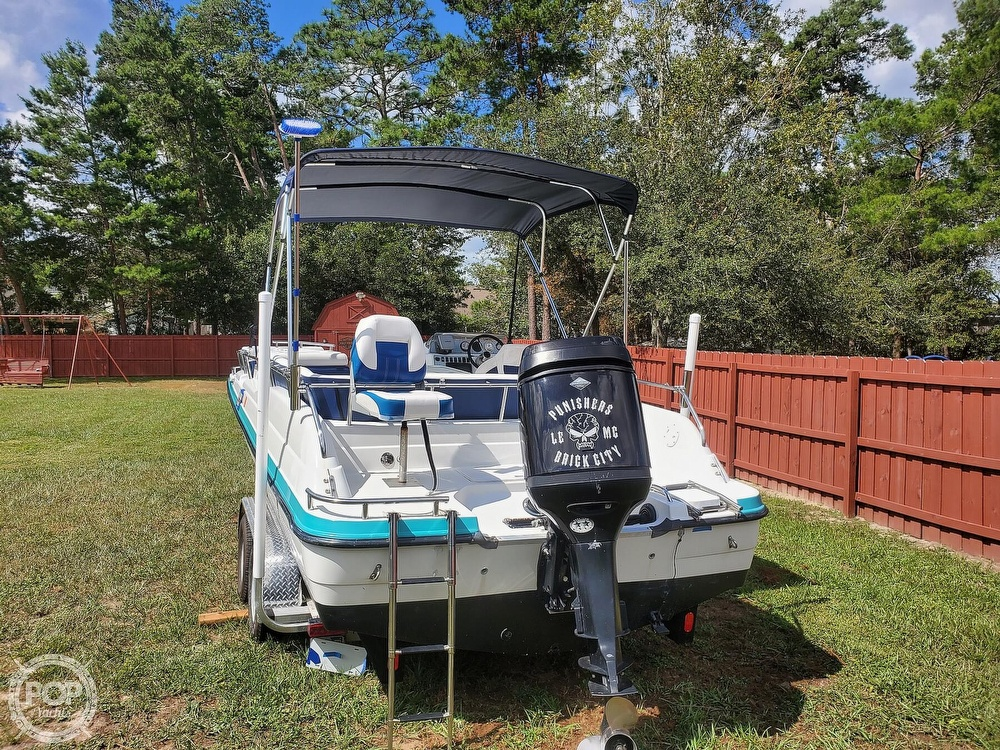 1995 Hurricane boat for sale, model of the boat is 24 Fun Deck & Image # 6 of 40