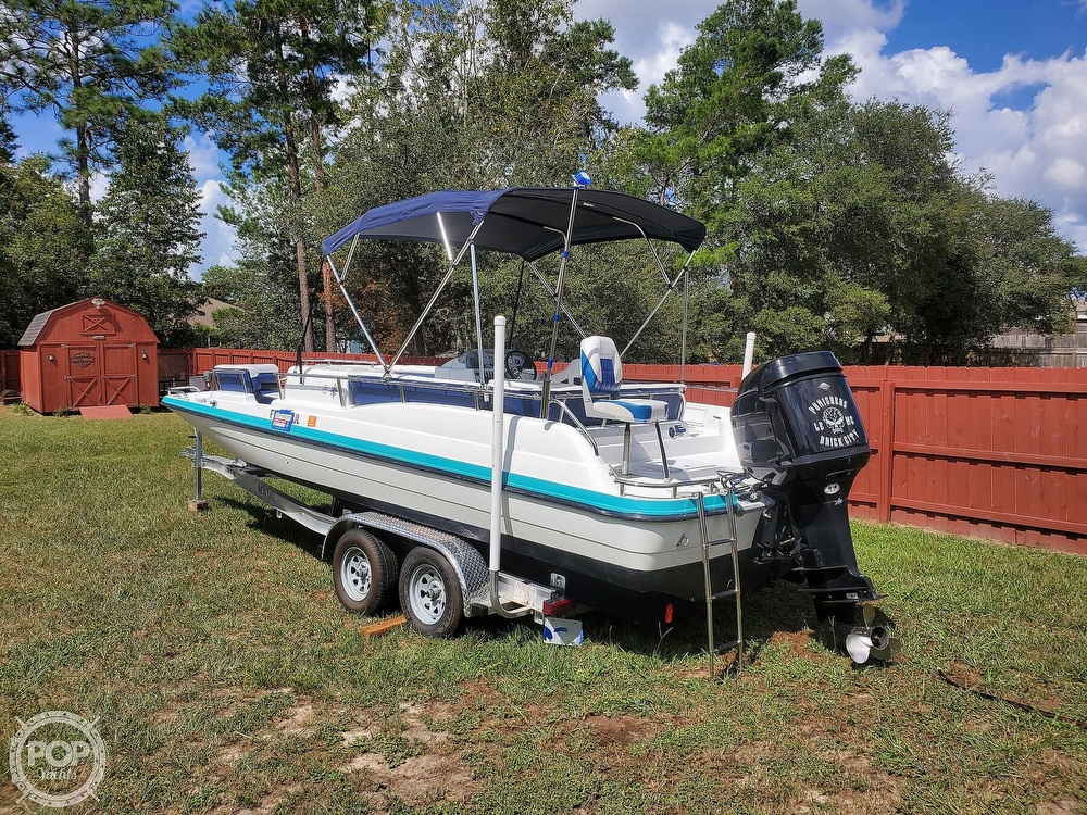 1995 Hurricane boat for sale, model of the boat is 24 Fun Deck & Image # 7 of 40