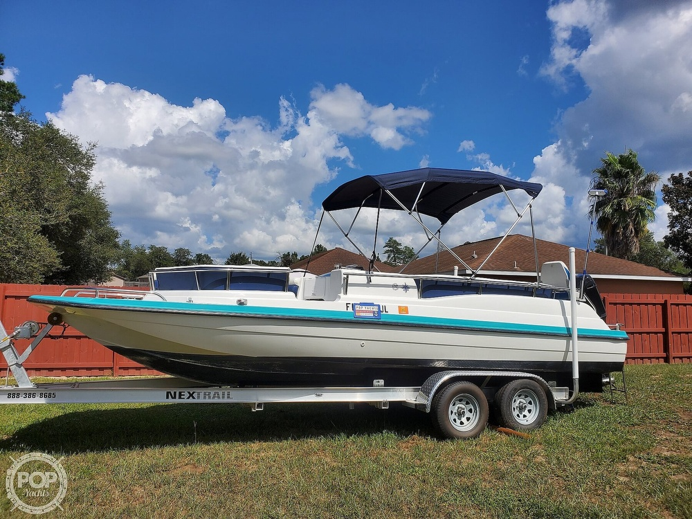 1995 Hurricane boat for sale, model of the boat is 24 Fun Deck & Image # 3 of 40