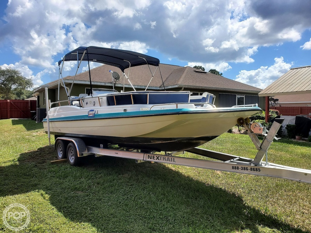 1995 Hurricane boat for sale, model of the boat is 24 Fun Deck & Image # 2 of 40