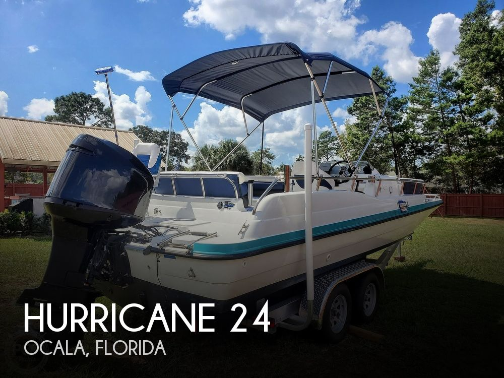 1995 Hurricane boat for sale, model of the boat is 24 Fun Deck & Image # 1 of 40