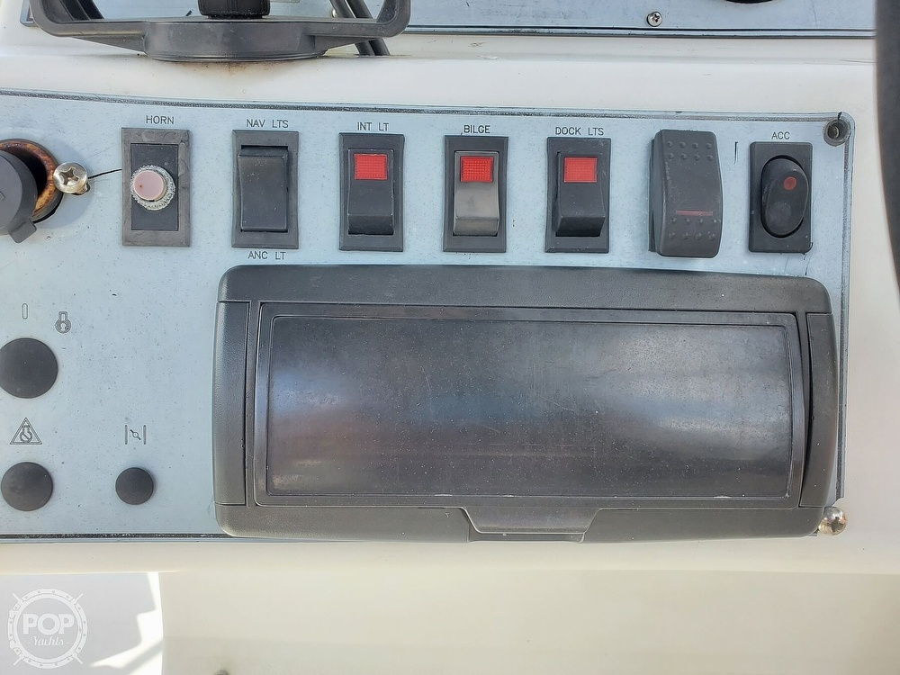 1995 Hurricane boat for sale, model of the boat is 24 Fun Deck & Image # 25 of 40