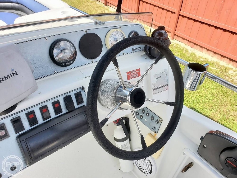 1995 Hurricane boat for sale, model of the boat is 24 Fun Deck & Image # 19 of 40