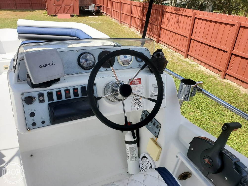 1995 Hurricane boat for sale, model of the boat is 24 Fun Deck & Image # 18 of 40