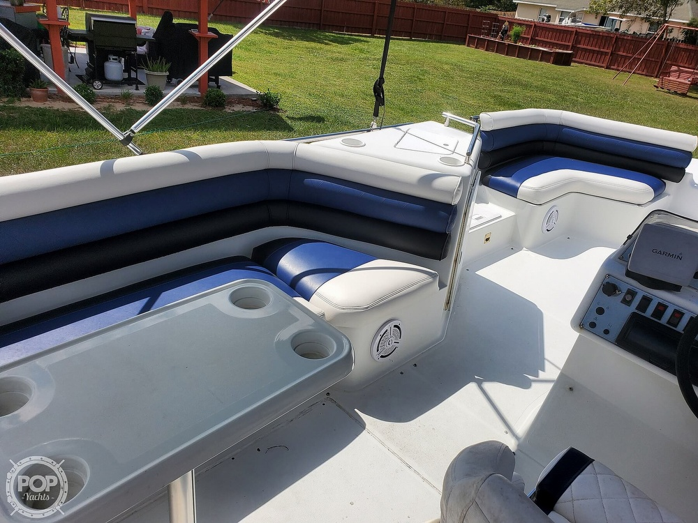1995 Hurricane boat for sale, model of the boat is 24 Fun Deck & Image # 34 of 40