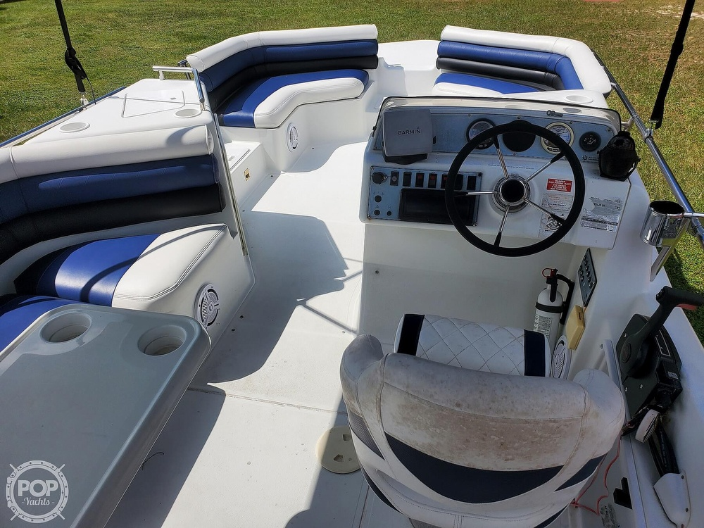 1995 Hurricane boat for sale, model of the boat is 24 Fun Deck & Image # 17 of 40