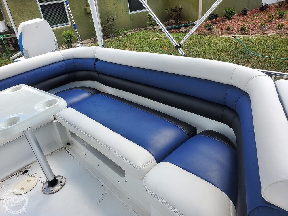 1995 Hurricane boat for sale, model of the boat is 24 Fun Deck & Image # 37 of 40