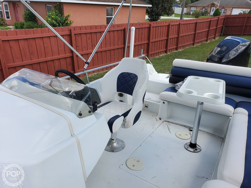 1995 Hurricane boat for sale, model of the boat is 24 Fun Deck & Image # 38 of 40