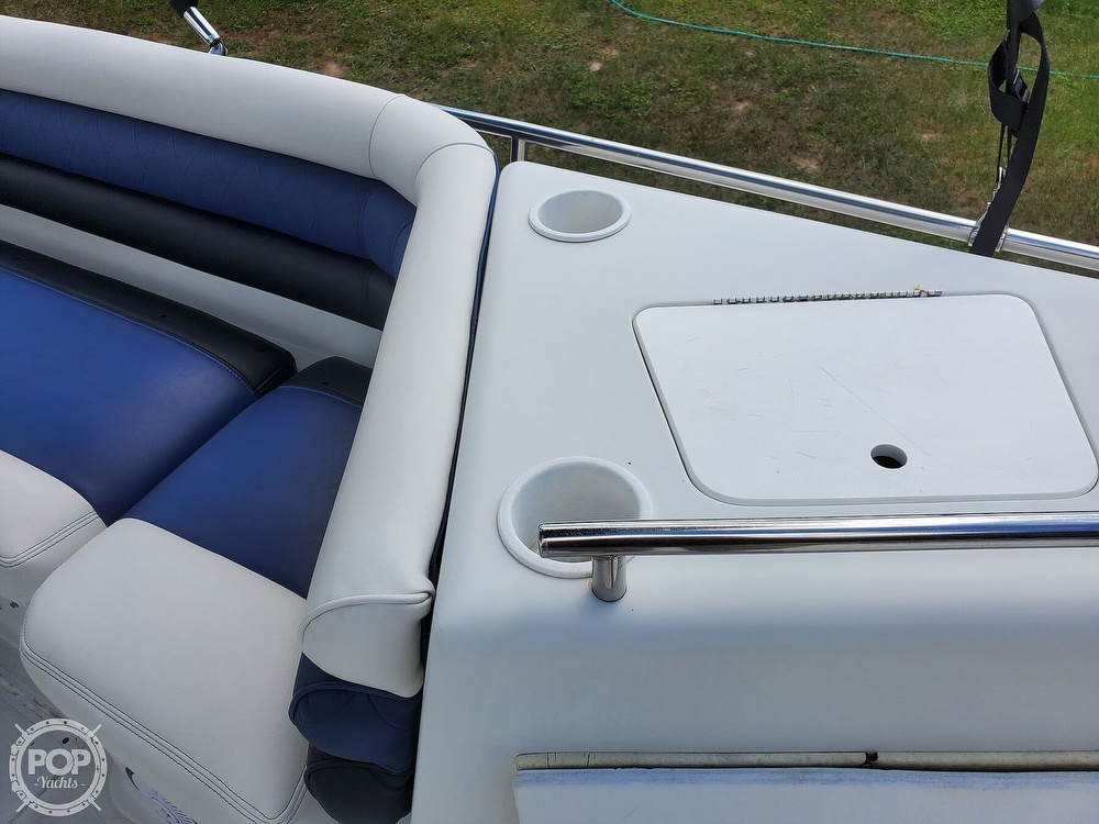 1995 Hurricane boat for sale, model of the boat is 24 Fun Deck & Image # 40 of 40