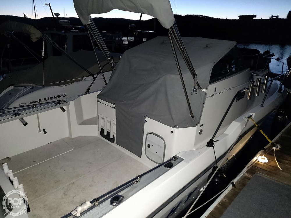 1993 Trophy boat for sale, model of the boat is 2502 WA & Image # 2 of 34