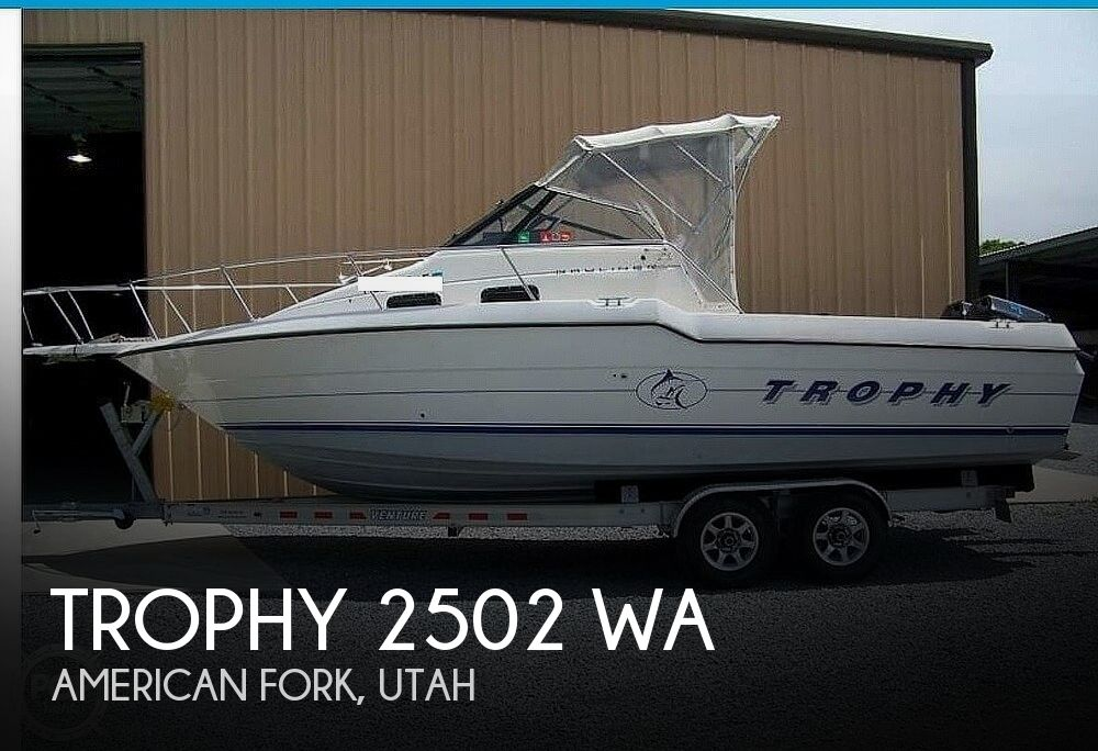 1993 Trophy boat for sale, model of the boat is 2502 WA & Image # 1 of 34