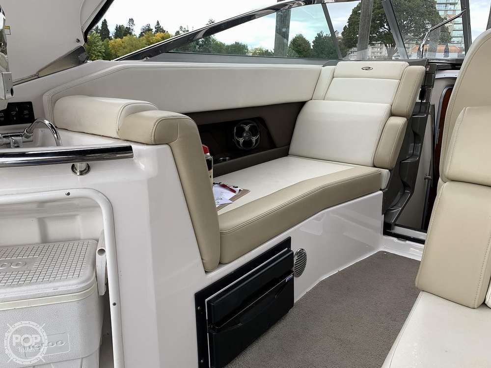 2012 Regal boat for sale, model of the boat is 28 Express & Image # 15 of 40