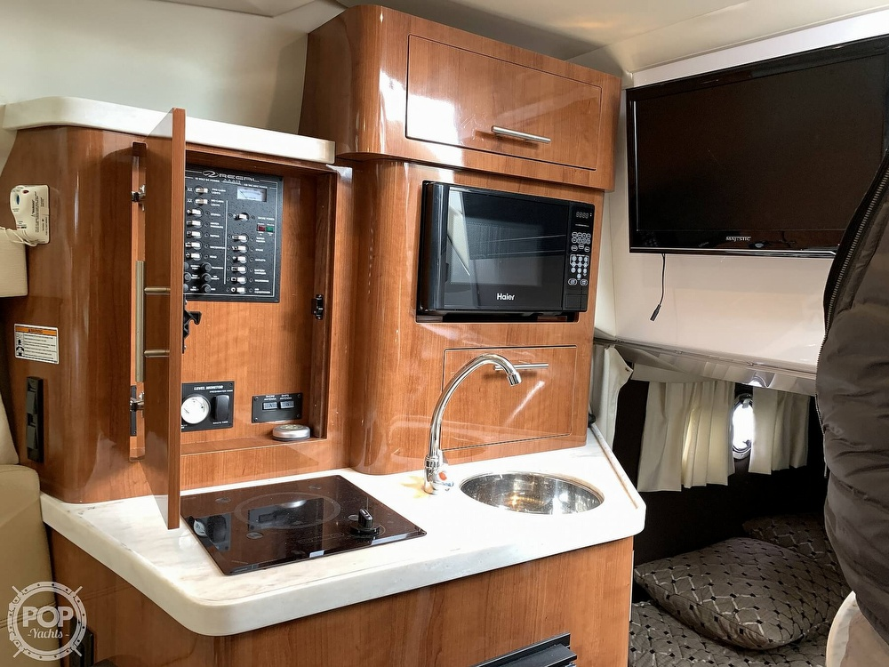 2012 Regal boat for sale, model of the boat is 28 Express & Image # 3 of 40