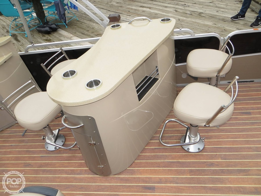 2016 Berkshire Pontoons boat for sale, model of the boat is 25E STS & Image # 9 of 40