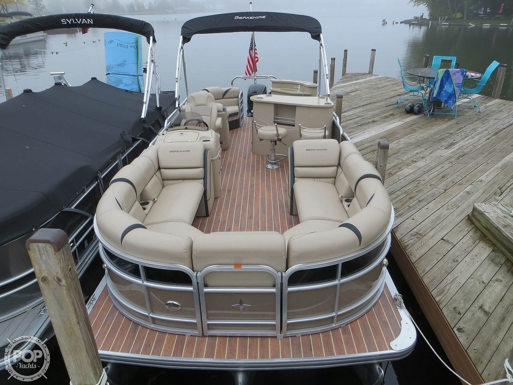 2016 Berkshire Pontoons boat for sale, model of the boat is 25E STS & Image # 13 of 40