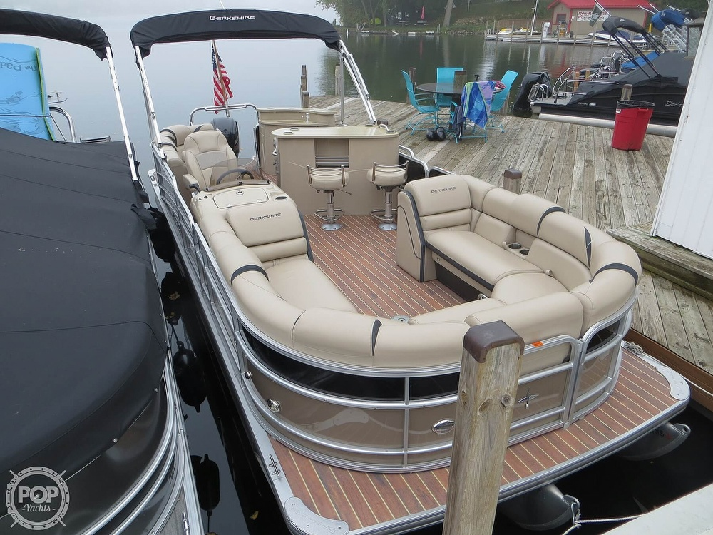 2016 Berkshire Pontoons boat for sale, model of the boat is 25E STS & Image # 15 of 40