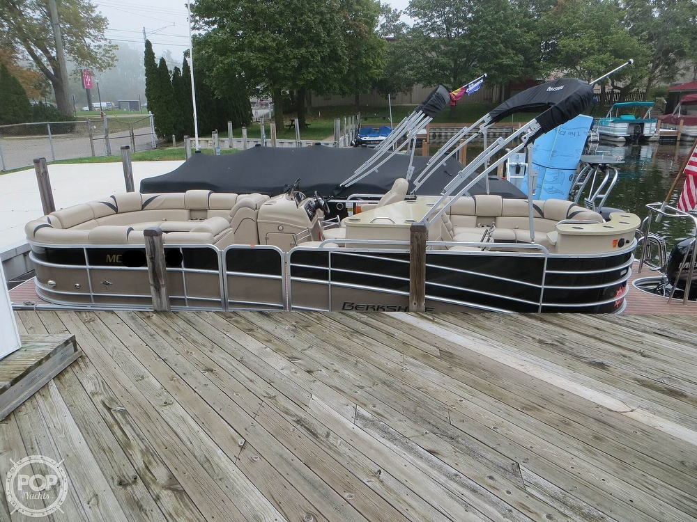 2016 Berkshire Pontoons boat for sale, model of the boat is 25E STS & Image # 16 of 40