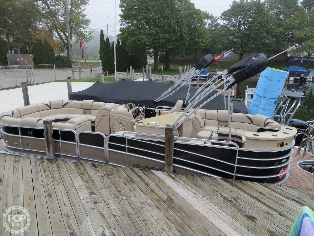 2016 Berkshire Pontoons boat for sale, model of the boat is 25E STS & Image # 17 of 40