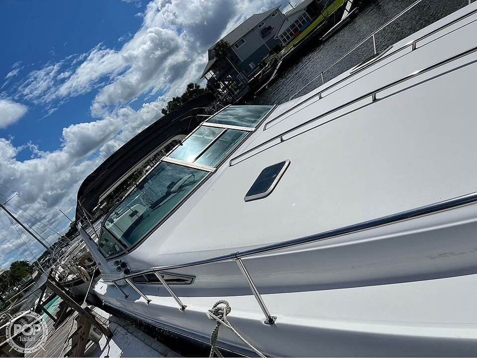 1992 Sea Ray boat for sale, model of the boat is 400 Express Cruiser & Image # 3 of 14
