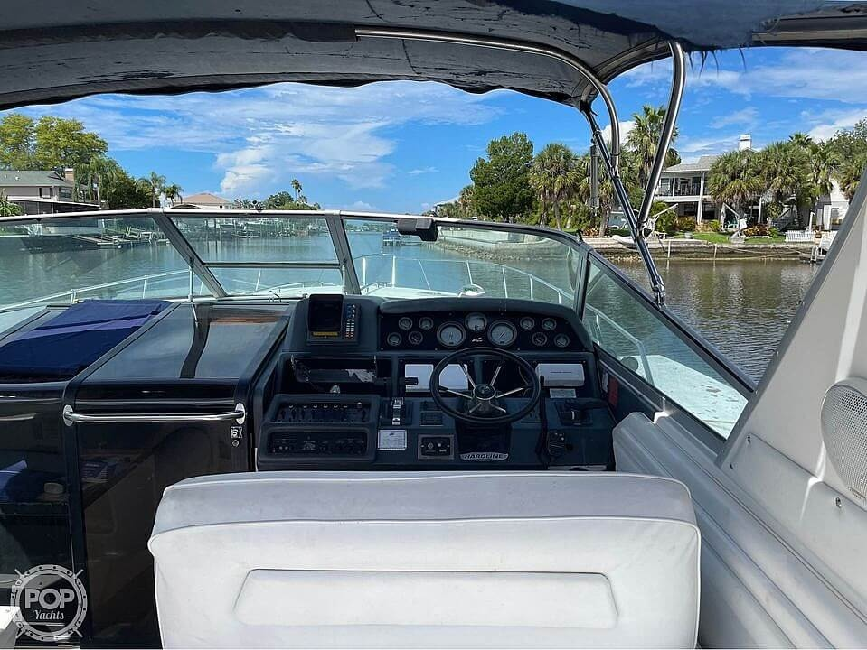 1992 Sea Ray boat for sale, model of the boat is 400 Express Cruiser & Image # 4 of 14