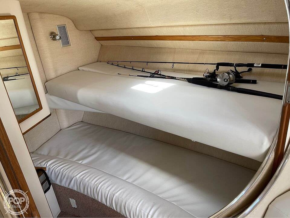 1992 Sea Ray boat for sale, model of the boat is 400 Express Cruiser & Image # 5 of 14