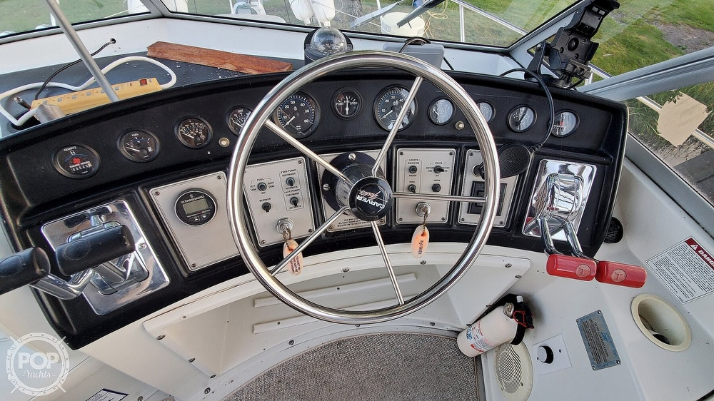 1996 Carver boat for sale, model of the boat is Mariner 330 & Image # 13 of 40