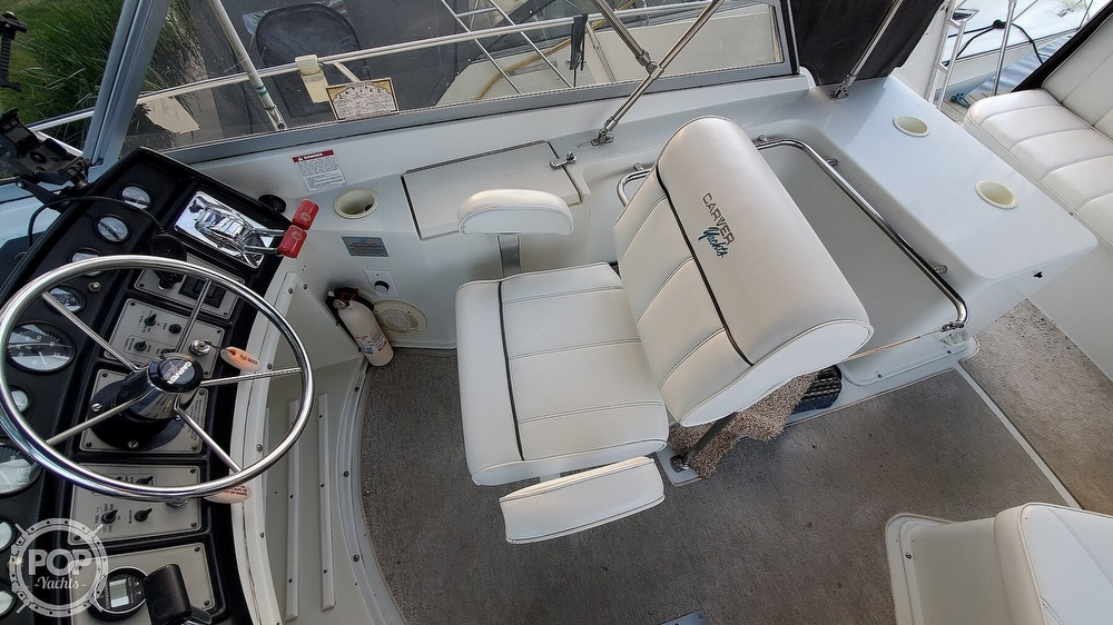 1996 Carver boat for sale, model of the boat is Mariner 330 & Image # 15 of 40