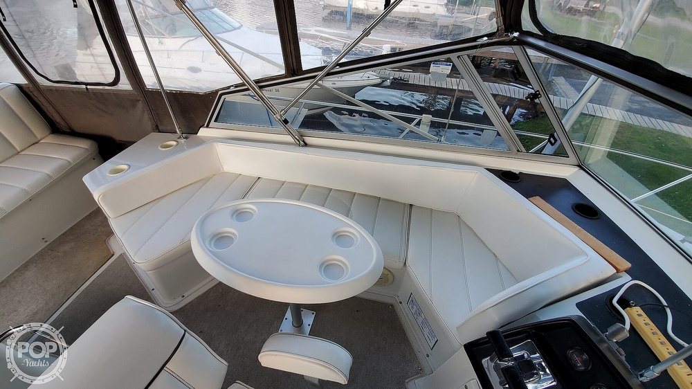 1996 Carver boat for sale, model of the boat is Mariner 330 & Image # 16 of 40