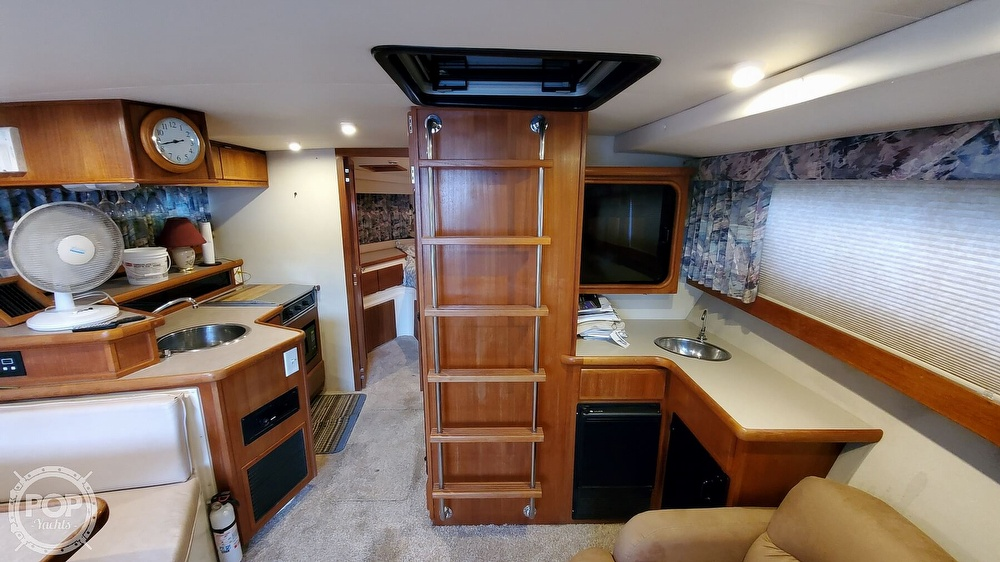 1996 Carver boat for sale, model of the boat is Mariner 330 & Image # 38 of 40