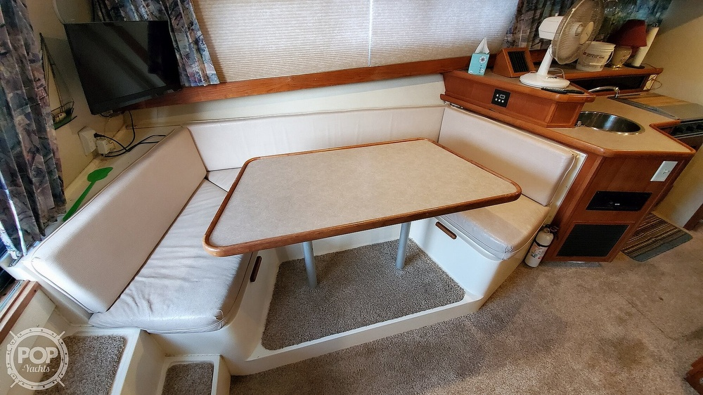 1996 Carver boat for sale, model of the boat is Mariner 330 & Image # 39 of 40