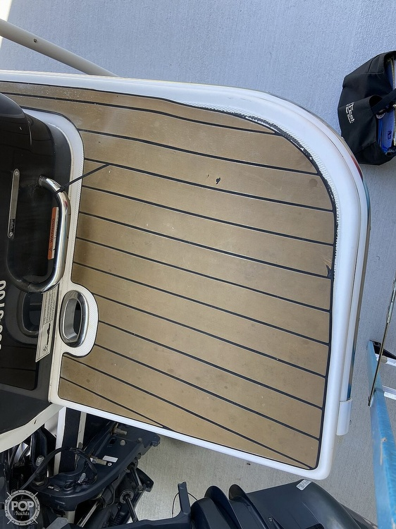 2014 Seaswirl boat for sale, model of the boat is Striper 220 DC & Image # 34 of 40