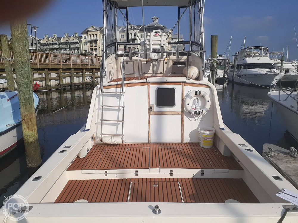 1982 Phoenix boat for sale, model of the boat is 29 Fly Bridge & Image # 2 of 40